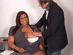 Cute black BBW does boss