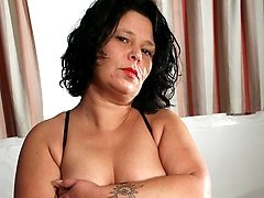 Housewife Wendie loves to be naughty