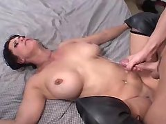 Elder mature fucks in diff poses and gets cumshot