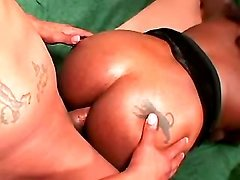 Great black mom model filmed in xxx movies